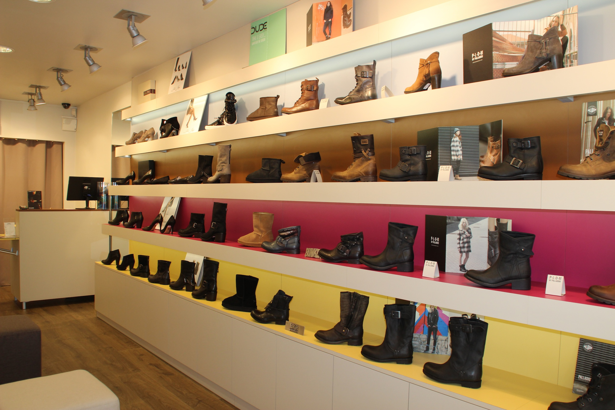 m con derby l 39 univers de la chaussure cuir l actualit du centre ville de m con. Black Bedroom Furniture Sets. Home Design Ideas