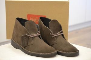 À Toutes Chaussures Les Moments Offres Boot Desert Brown Clarks Du wPPqzA
